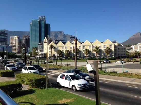 ‪‪City Lodge Hotel V&A Waterfront‬: View of Table Mountain‬