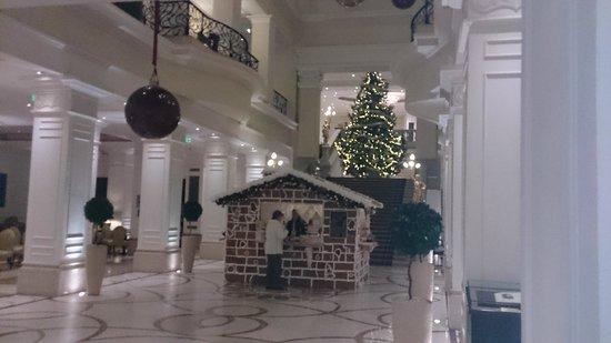 Corinthia Hotel Budapest: Hotel Foyer