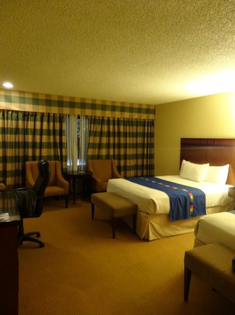 DoubleTree by Hilton Modesto: Room