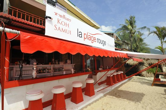 La Plage Rouge: Have a refreshing drink at the bar