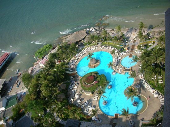 Hilton Hua Hin Resort & Spa : Udsigt over pool fra toppen