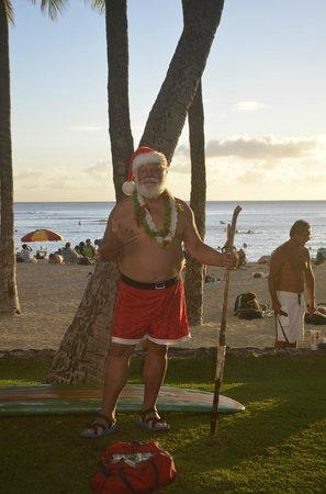 Outrigger Waikiki Beach Resort: Santa, hawaiian style