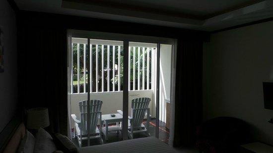 Mareeya Place: Балкон в номере