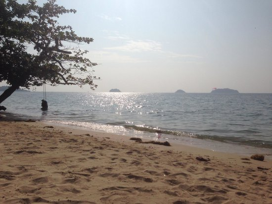 The Chill Resort & Spa, Koh Chang: The Chill beach