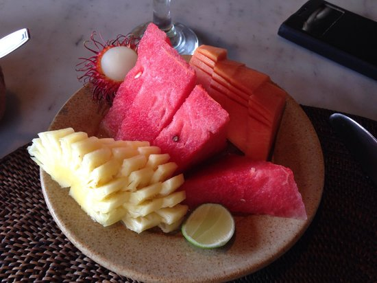 Alang-Alang Boutique Beach Hotel : fresh fruits