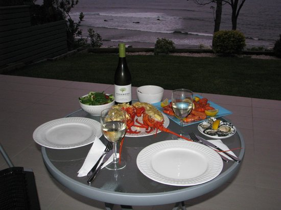 Mollymook Beach Waterfront: Dinner on the balcony
