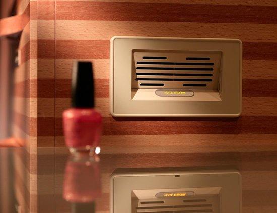 The Peninsula Shanghai: In-room nail dryer