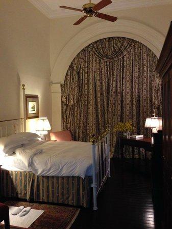 Raffles Hotel Singapore: Bedroom of One Bedroom Suite Old Colonial Building