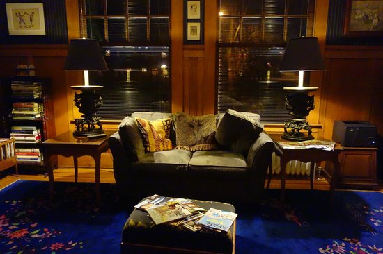 Portland Mayor's Mansion: Reading room.