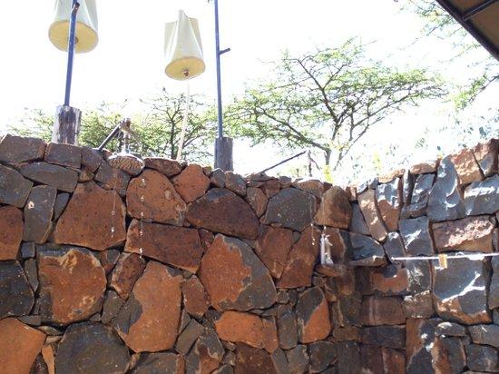 Naboisho Camp, Asilia Africa: 当然バスタブはなく、バケツからのシャワーのみ