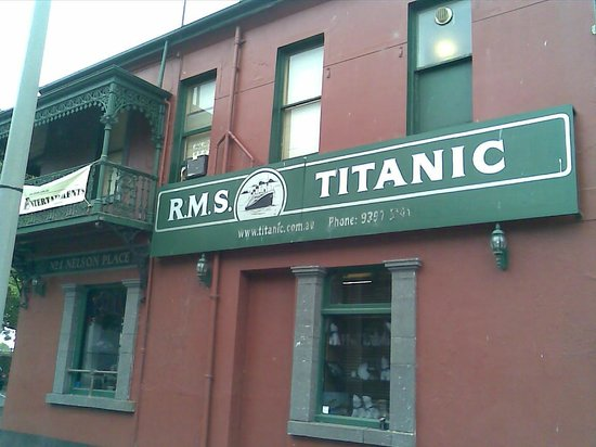 Titanic Theatre Restaurant: The sign says it all