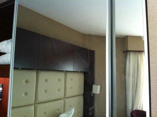 Monaco Hotel: Spiegel