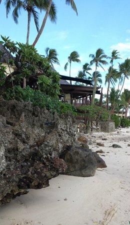 Shangri-La's Fijian Resort & Spa: View from beach area