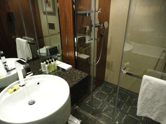 InterContinental Moscow Tverskaya Hotel: Salle de bains