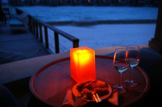 Dusit Thani Maldives: Bar