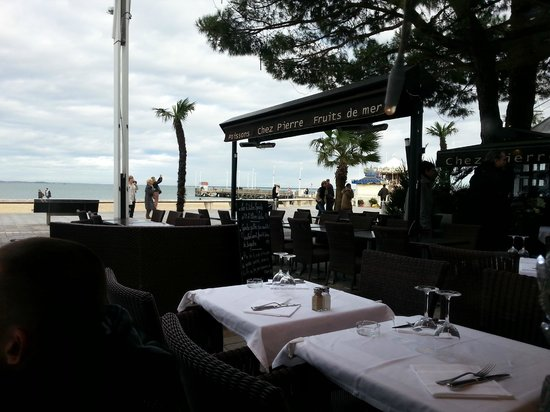 terrasse avec vue sur le bassin foto van chez pierre arcachon tripadvisor. Black Bedroom Furniture Sets. Home Design Ideas