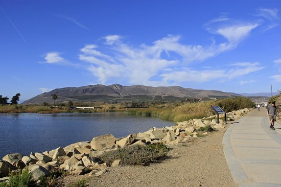 Hampton Inn Channel Islands Harbor: Coastal bike trail in nearby Ventura