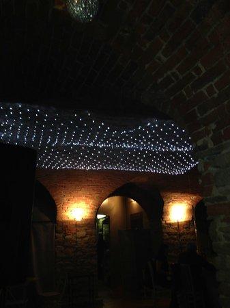 Villa Scati: soffitto ristorante