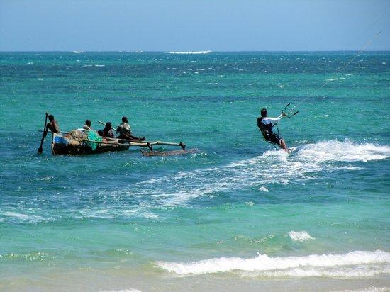 Anakao Ocean Lodge: Piroga e skysurf