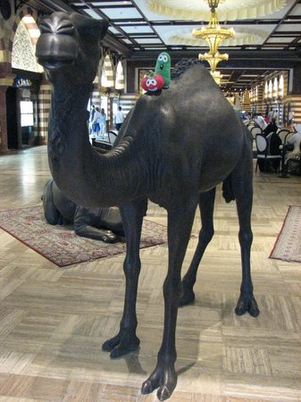 The Dubai Mall : Camel Sculpture in the mall