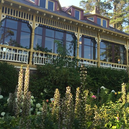 Lilianfels Blue Mountains Resort & Spa: The historic garden designed in late 1800s on the side of the hotel
