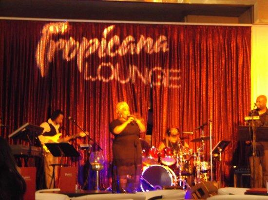 Tropicana Las Vegas - A DoubleTree by Hilton Hotel : Skye5 in the main bar