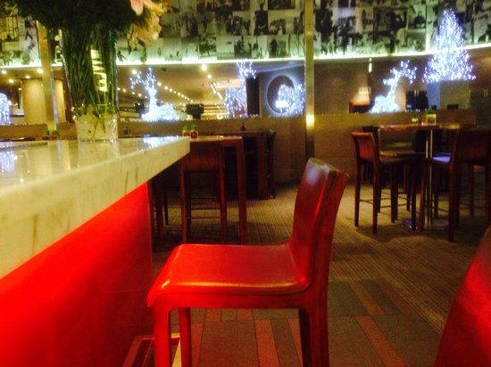 Sandton Sun: Bar area