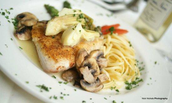 Tunas Seafood Restaurant : fish