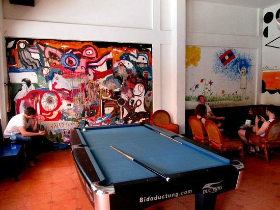 Dream Home Hostel 2: Pool table in lobby area