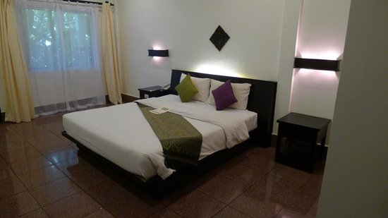 The Moon Boutique Hotel: Kingsize Bett