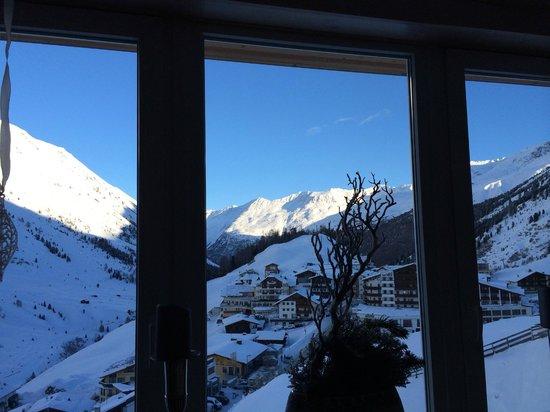 Hotel Bergwelt: Der morgentliche Blick aus dem Restaurant  (der Berg ruft!)