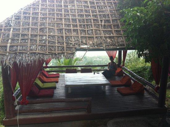 Jungle Club: Meditation Hut