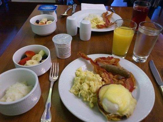 Hotel Mazarin: フリーの朝食
