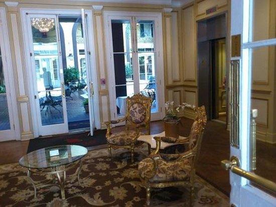 Hotel Mazarin: ロビー