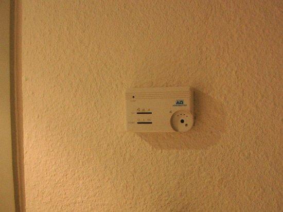 Hotel Atlas Asni: nessun comando disponibile per aria condizionata/riscaldamento