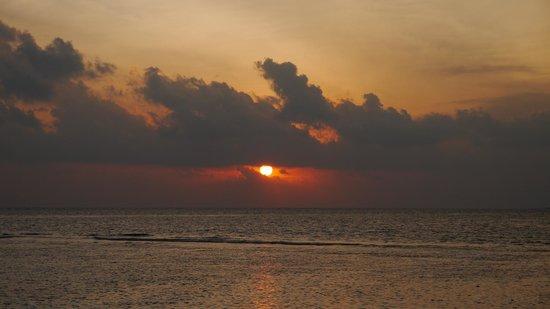 Vakarufalhi Island Resort : From the room deck
