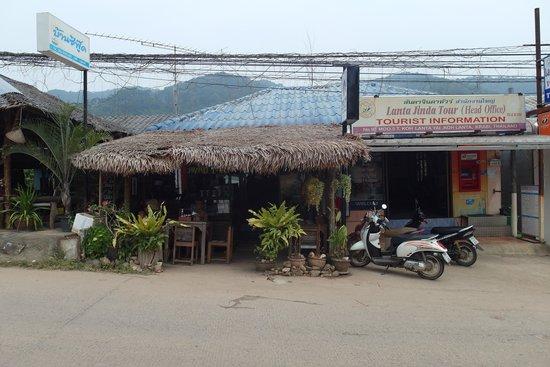 Phad Thai Rock n Roll: Stall/cafe facade.