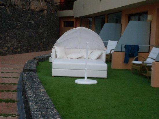 Iberostar Playa Gaviotas: Balinesisches Bett der Superiorzimmer