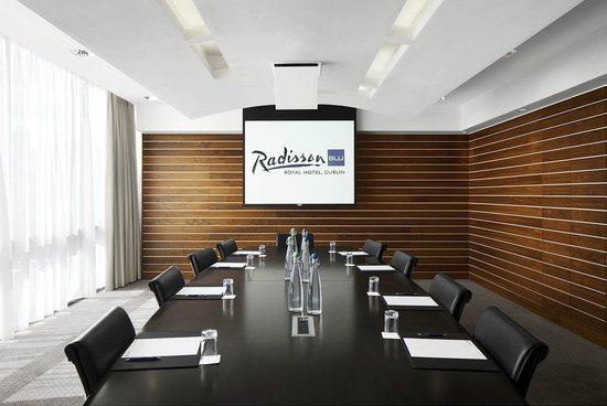 sky suite boardroom picture of radisson blu royal hotel dublin dublin tripadvisor. Black Bedroom Furniture Sets. Home Design Ideas