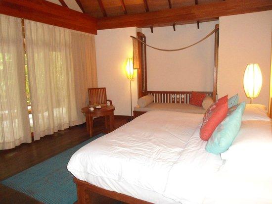 Anantara Dhigu Maldives Resort: bedroom