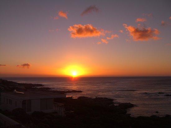 Crayfish Lodge Sea & Country Guest House: ...und wieder, der Sonnenuntefgang!