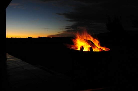 Thaba Manzi Ranch: preparing the braai amidst a wonderful skylight