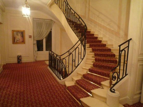 Hotel Westminster: 階段はカッコいいんだけどね