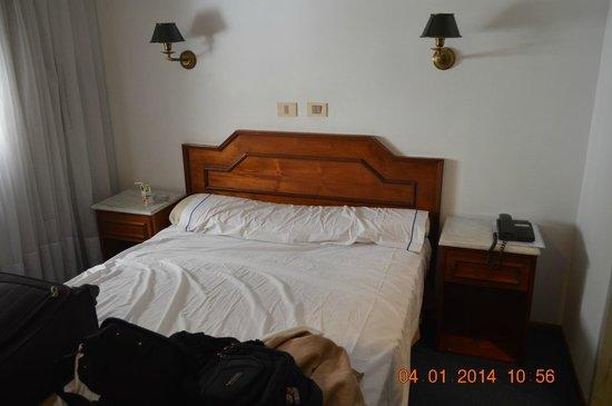 Hotel Tres Sargentos: Cama