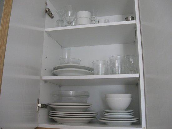 Apartamentos Es Salobrar: Stoviglie della cucina