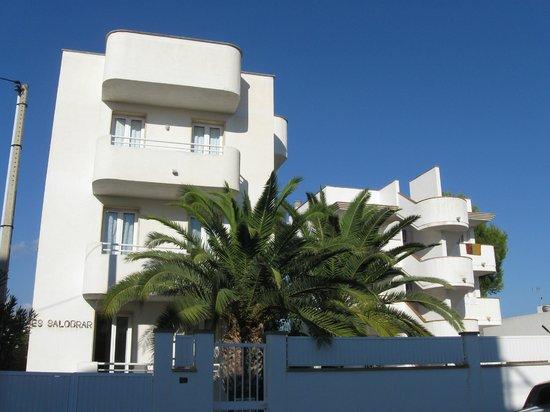 Apartamentos Es Salobrar: Esterno del palazzo