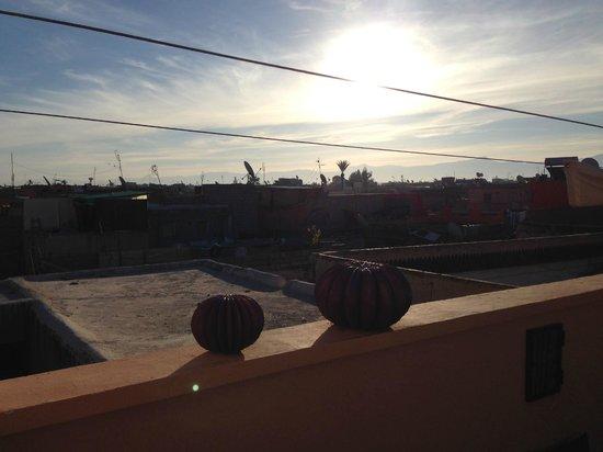 Riad Houdou: Vue de la terrasse au petit matin