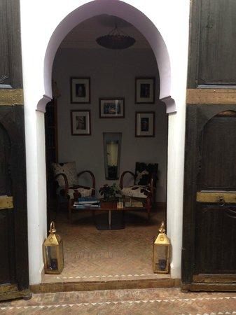 Riad Houdou: Le salon