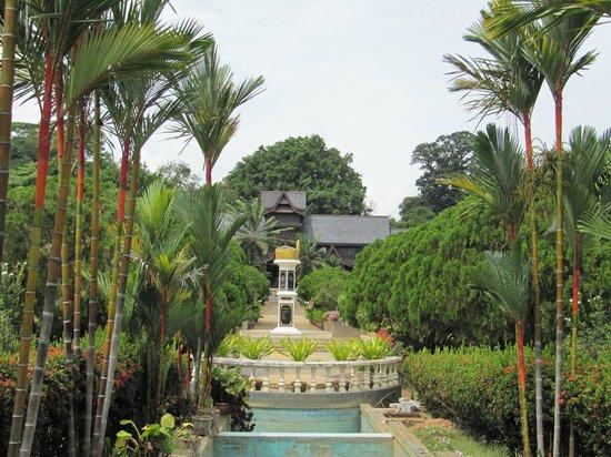 Malacca Sultanate Palace: Garden