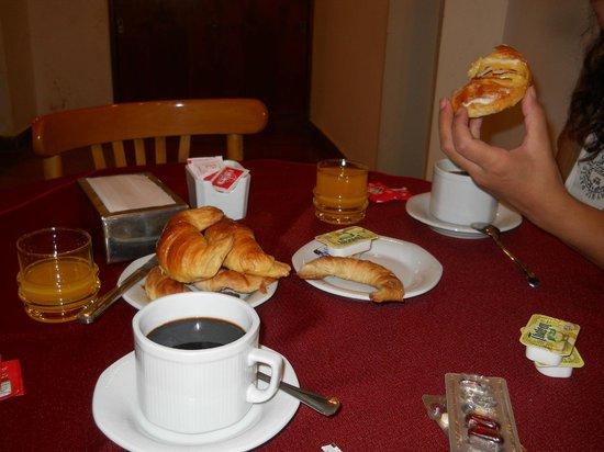 Hotel Tres Sargentos: Desayuno